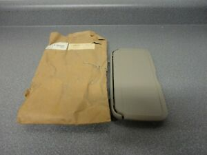 New NOS OEM GM Vanity Mirror Sunshade Assembly 12538359 1996-1999 Buick Lesabre
