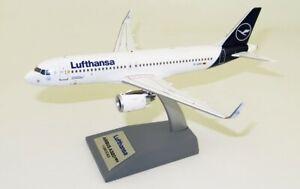 JFOX JFA320032 1/200 LUFTHANSA AIRBUS A320-271N REG: D-AINN WITH STAND