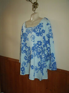 BRAND NEW JULIPA BLUE FLORAL TOP SIZE 28 OR 30
