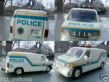 1/43 ford econoline Philadelphia Pennsylvania  police car