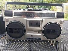 Hitachi TRK-7011 E Ghettoblaster Radiorecorder, radio geht,lesen