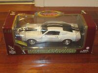 1968 Shelby GT-500KR 428 Cobra-Jet Die-Cast Car 1:18 Road Legends(Ford Mustang)