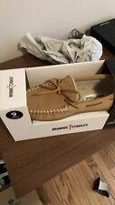NEW Men's 9 Minnetonka Moccasin Slipper Shoes