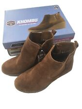 Khombu Ladies Size 7 Ankle Boots Shoe. Suede / Leather Upper