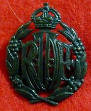 R.A.A.F  WWII  O.R.'S   (OTHER RANKS ) OXIDISED BRONZE HAT / SIDE CAP BADGE