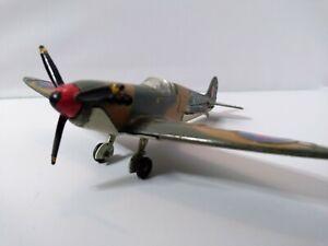 Dinky toys Meccano 719 Spitfire Mk II avec moteur OK 1/72 RARE collection Métal