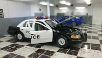 WELLY FORD CROWN VICTORIA POLICE 1/24 SCALE CAR DIECAST MODEL
