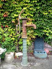 Pompe à bras en fonte ancienne de hauteur : 140 cm en état de marche