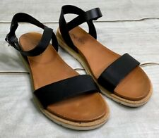 Me Too Womens Fran Black Leather Flat Ankle Strap Flats Sandals Size 8 EUC A2512