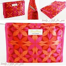 NEW Clinique Cosmetic Bag Makeup 23 x 16 x 7 cm / 9 x 6.2 x 2.7 inch Zip Logo