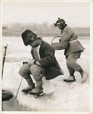 CHINE c. 1950 - Pêche sous la Glace - GF 114