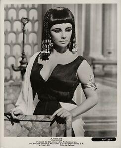 Elizabeth Taylor as CLEOPATRA ~ Original 1963 scene portrait