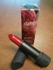 Bite deconstruida Rosa Barra de labios grandifolia - Rojo Ardiente - tamaño real