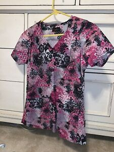 Peaches Scrub Top Womens Size XS Pink And Black Multicolor