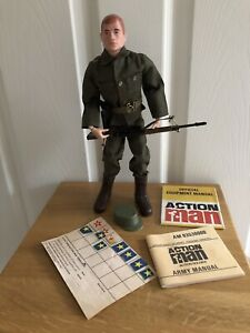 ORIGINAL PAINTED RED HEAD ACTION MAN FIGURE ARMY OUTFIT MANUALS & STAR CARD