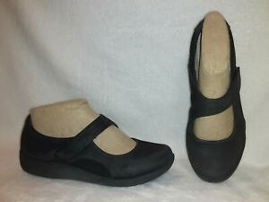 Clarks Cloud Steppers Mary Jane Black Shoes Size 8