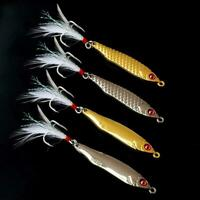 Metal Fishing Lure Spoon Sequins Spinner with feather Bait Favor Hard X2D6