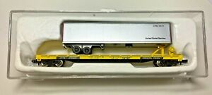 N scale Con-Cor Flatbed Piggyback - TTX w/UPS Trailer