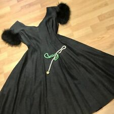🌸1950s Vintage Charcoal Dress with Genuine Fur Sleeves and 2 Pockets🌸