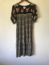 RM vintage Hwaiian muumuu dress. Sz M. 100% Rayon.