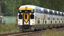 Athearn HO Scale 3 piece West Coast Express set (2 Coach, 1 Cab,)