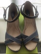 Boxed New CARA Ladies S6 Leather Suede Wedge Sandal Navy PARTY  CRUISE Vintage