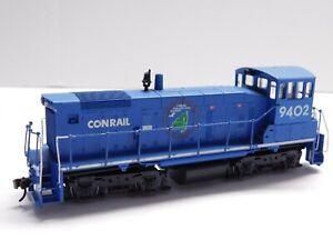 HO Scale - Athearn - Conrail SW-1001 Powered Diesel Locomotive Train #9402