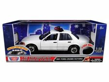 Motor Max 1:18 2001 Ford Crown Victoria Police Car Realistic Light & Sound 73992