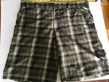 Men's Lululemon green/black/white plaid shorts  size 38