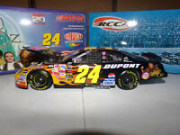 1/24 JEFF GORDON #24 DUPONT / WIZARD OF OZ CLUB CAR 2004  ACTION NASCAR DIECAST
