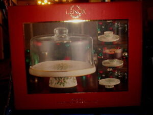 LENOX HOLIDAY FOUR IN ONE SERVING SET  COVERED CAKE PLATE  LR