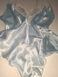 Vintage 20\u2019s 30\u2019s  padded nightdress holder black satin blue lining
