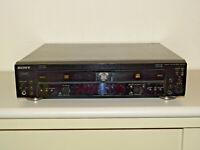 Sony RCD-W100 Audio CD-Recorder Display defekt, CD-Fächer öffnen nicht