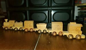 Vintage The Montgomery Schoolhouse Wooden Train Set 6 Different Cars excellent.