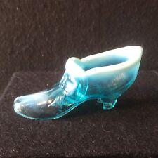 Un muy escaso Victoriano más Verde Azul Pearline Zapato De Vidrio Prensado c1880 - #118c