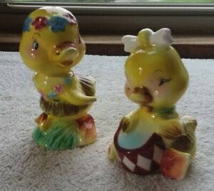 VINTAGE PY JAPAN DRESSED DUCKS GRASS SKIRTS DRUM ANTHROPOMORPHIC SALT & PEPPER