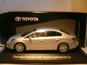 SUPERB NEW MINICHAMPS 1/43 2009-11 TOYOTA AVENSIS (T27) WITH OPTIMAL DRIVE NLA