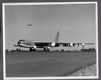 BOEING B-52 STRATOFORTRESS JET BOMBER LARGE VINTAGE PHOTO USAF 3