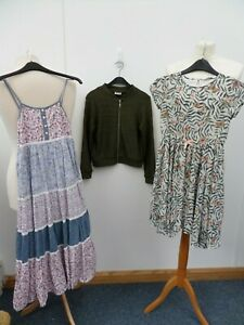 Girls Clothing Bundle- x2 9-10 Yrs (H&M, River Island) & x1 9 Yrs (Matalan)
