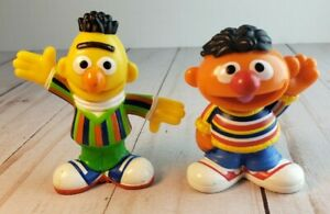 "Sesame Street Workshop  Bert and Ernie 3"" Figures Hasbro 2010 ."
