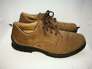 Clarks active Air leather gore tex shoes  size 9