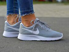Nike Tanjun Sneaker Turnschuhe Damen Mädchen Freizeitschuhe 812655 010