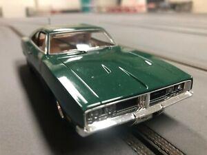 Scalextric 3064 - Dodge Charger R/T - grün - 1:32 - mit Licht - selten