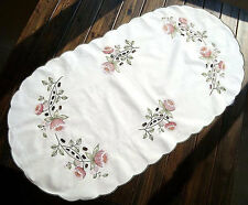 Lovely Pink Tulip Trail Embroidery Cutwork Cotton Oval Shape Table Runner