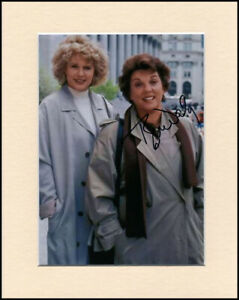 Tyne Daly Cagney and Lacey Original Hand Signed 10x8 Mounted Autograph Photo COA