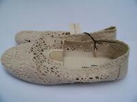 Bobby Brooks Women's Size 8 Cream Crochet Flat Sole Casual Slip On Shoes