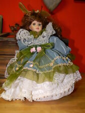 Bambola in porcellana  vintage 29 cm. porcelain doll -porzellanpuppe carillon