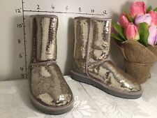 UGG SILVER SPARKLES ICONIC LOGO Boots US 6 new Classic short 1018570 3504