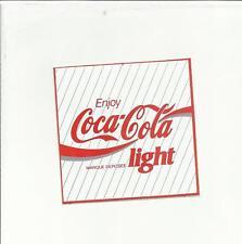 102949 VECCHIO ADESIVO COCA COLA COCACOLA HA UN FORO COCA COLA LIGHT CM 6 X 6