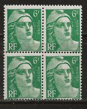 N° 884**  6Frs VERT TYPE MARIANNE DE GANDON EN BLOC DE 4
